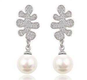 Pearl Dream Earrings. Clear CZ